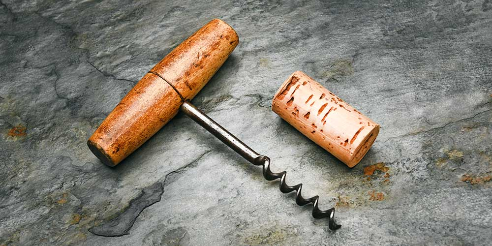 Guide to Buying Wine Openers & Corkscrews